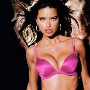 NWOT Victoria's Secret Very Sexy Push Up Bra 32A💖